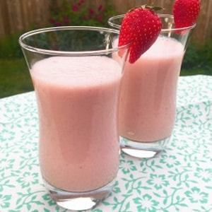 Banana Pineapple Strawberry Smoothie