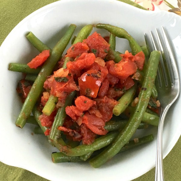 Green Beans with Tomatoes and Basil
